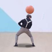 蔡徐坤打篮球