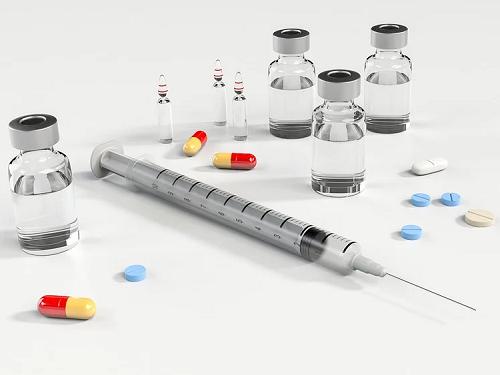 卫健委:新冠疫苗全民免费提供_注射一次至少保护一个月